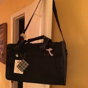 Burberry Duffle Bag 🌺